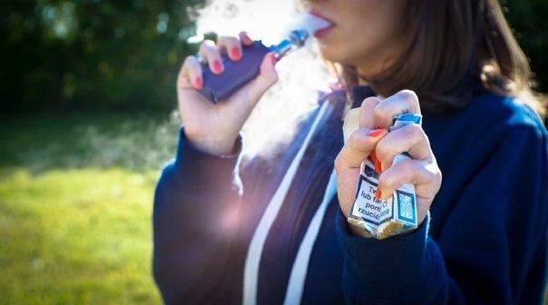 Кожен п'ятий підліток «бавиться» вейпом: загроза електронної сигарети