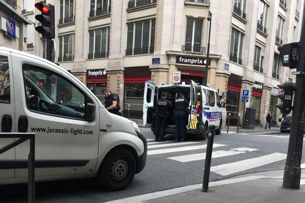 paris-street-on-lockdown
