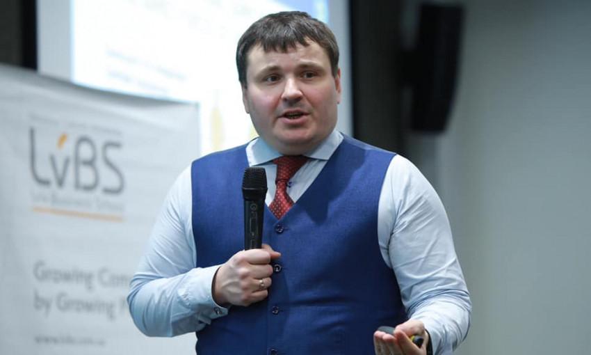 """Глава """"Укроборонпрома"""" Юрий Гусев четыре раза повысил себе зарплату"""