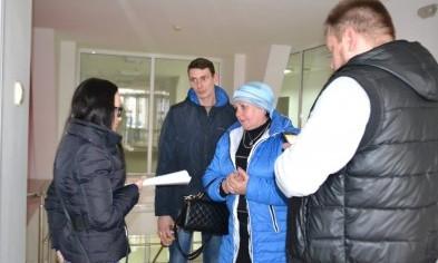 """Криворожане, пострадавшие от жесткого задержания полицейских, пообещали """"дойти до Киева"""""""