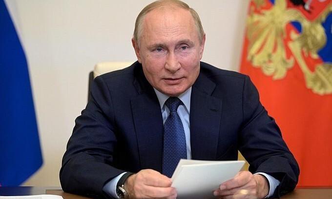«Истерика и какая-то неразбериха»: Владимир Путин назвал причины энергетического кризиса в Европе