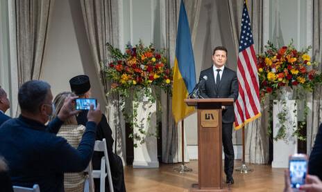 Зеленский в США рассмешил диаспору заявлением, что дороги в Украине лучше, чем в Нью-Йорке