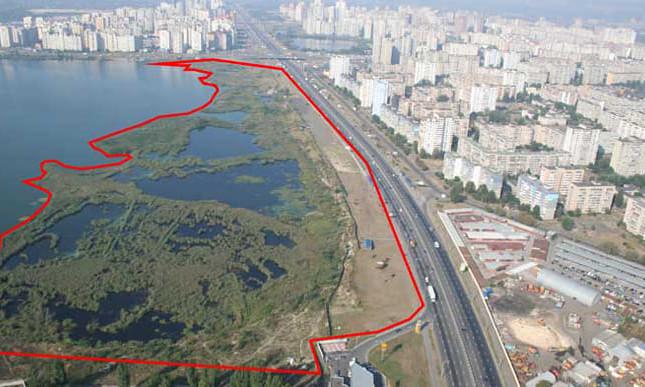 Украинский бизнесмен и политик хочет построить большой ТРЦ на озере в Киеве