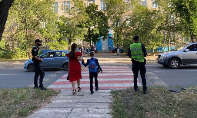 """В украинских школах предложили внедрить """"воспитателей безопасности"""": в чем заключается их роль"""